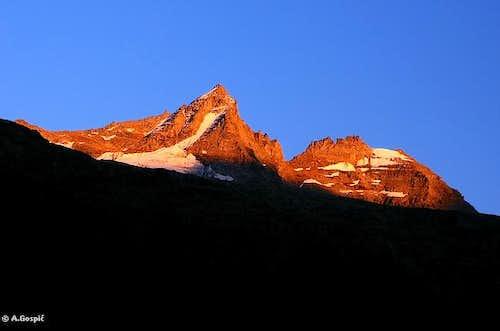 Last light above Valsavarenche