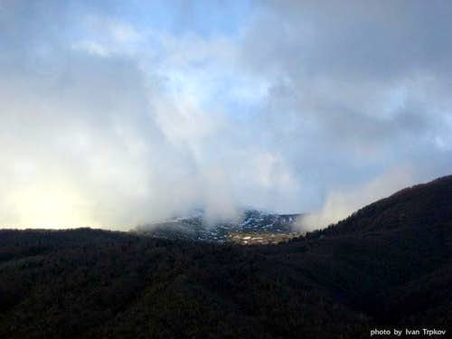 Neolica massif covered with...