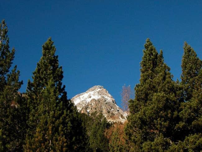 peak above Angel Orus refuge