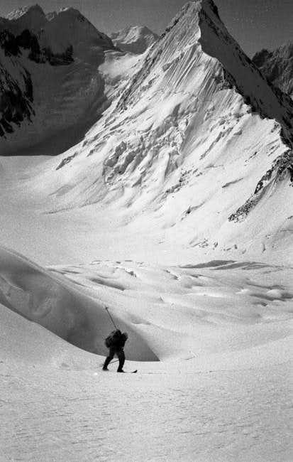 Marcus Schmuck skiing down...