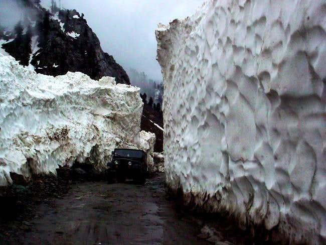 Driving over the Lowari pass...