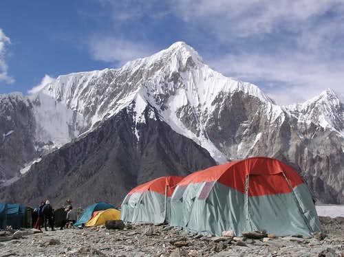 Pobeda & Khan Tengri\'s Commercial base camp