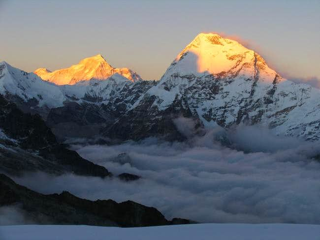 Picture of Makalu and...