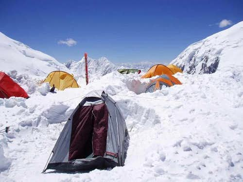 Camp 3 on Razdelnaya col, 6150m
