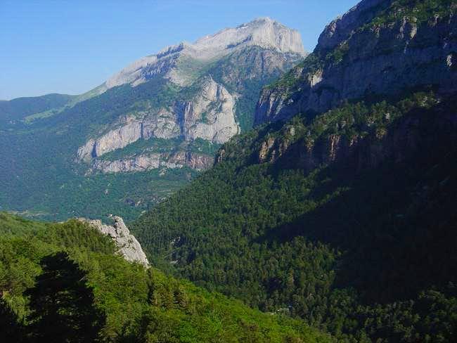 Ravine Boca del Infierno and...