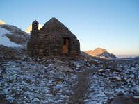 The hut at Muir Pass