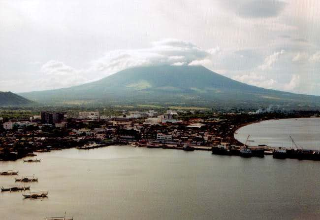Mayon volcano hidden in...