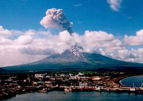 Mayon erupting in 2000, seen...