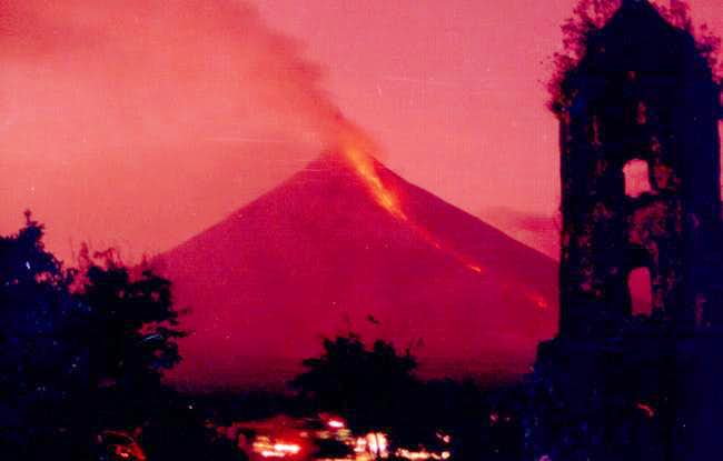 Mayon erupting in 2000, seen...