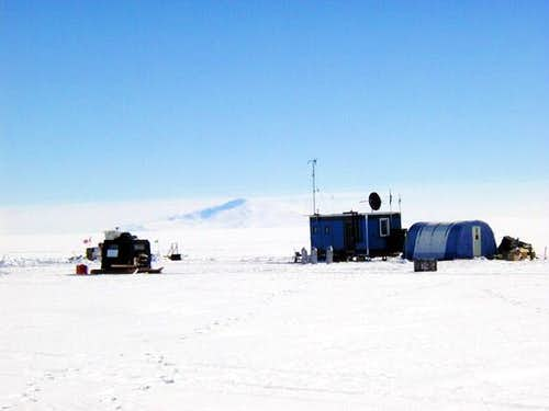 The ITASE-2000 ice core site...