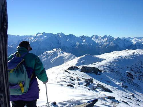Dalla punta Leisse (2771 m)...