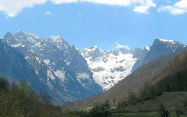 Prokletije peaks above Grbaja Valley