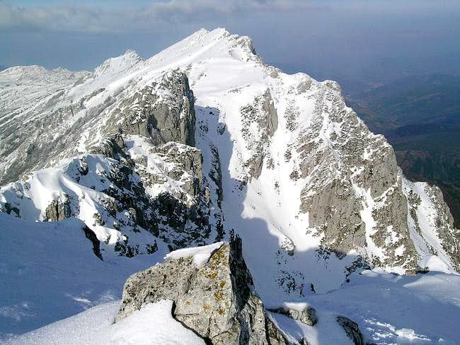 Aizkorri ~ Summits Ridge Traverse