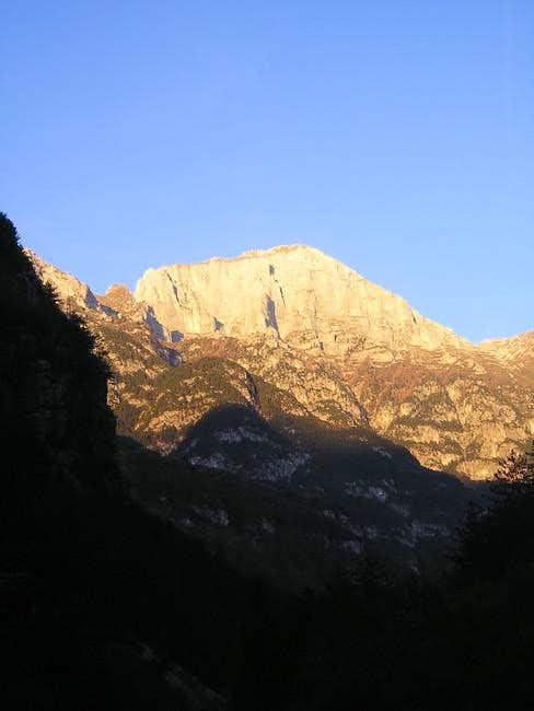 Monte Cimone dominating Val...