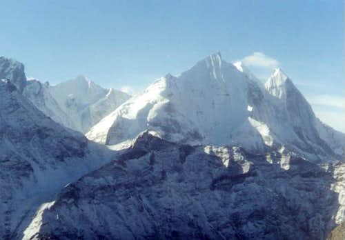 Mt Vasuki (back left), and Mt...