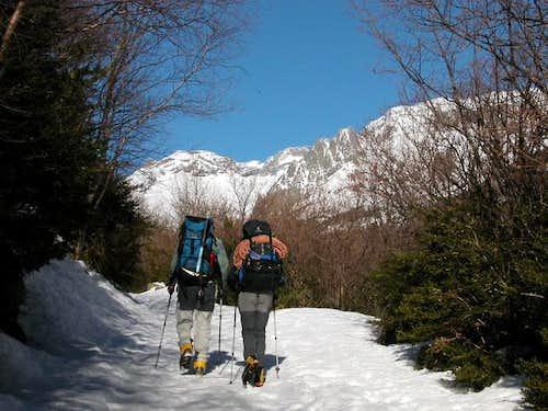 Trail to the Refugio de Estos