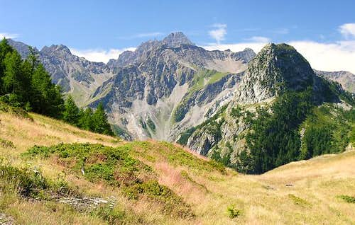 Mt. Chetif seen going from Planpincieux to Bertone Hut