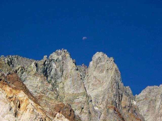 Moon over Split Mtn