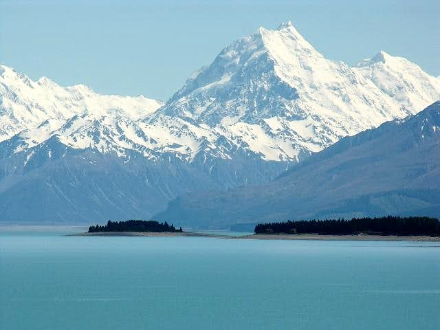 Mount Cook seen from Lake...