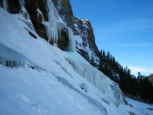 29-Jan-2006: Tokopah Falls :...