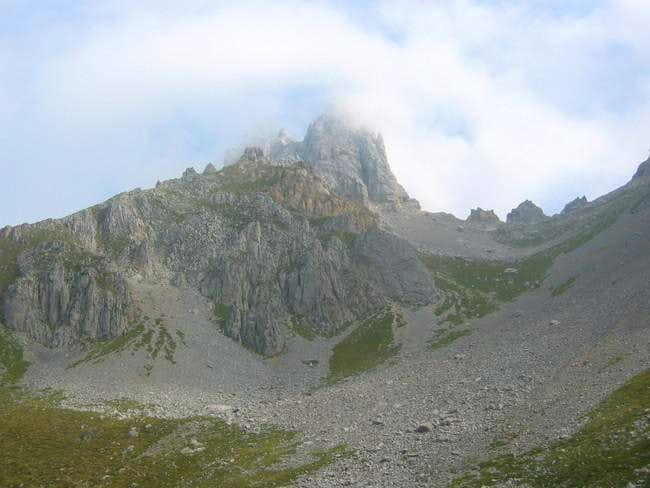 Picos de Europa and Friero Peak seen from Peña Ten