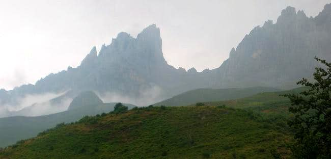 Friero, Horcado de la Chavida and Torre de Salinas