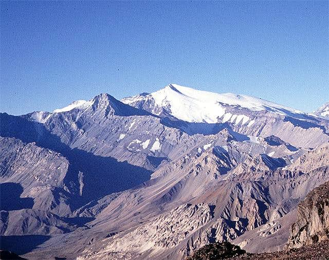 Nevado de los Piuquenes
