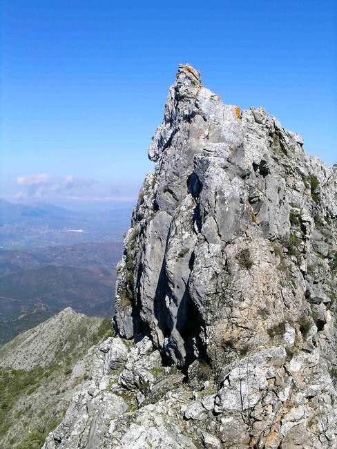 La Concha ~ Los Cuchillos Ridge Traverse