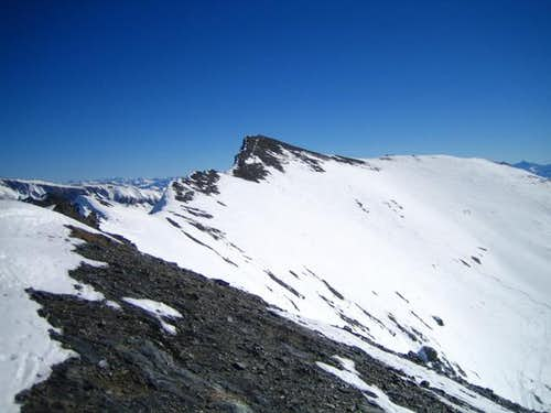 Main summit (in the middle)....