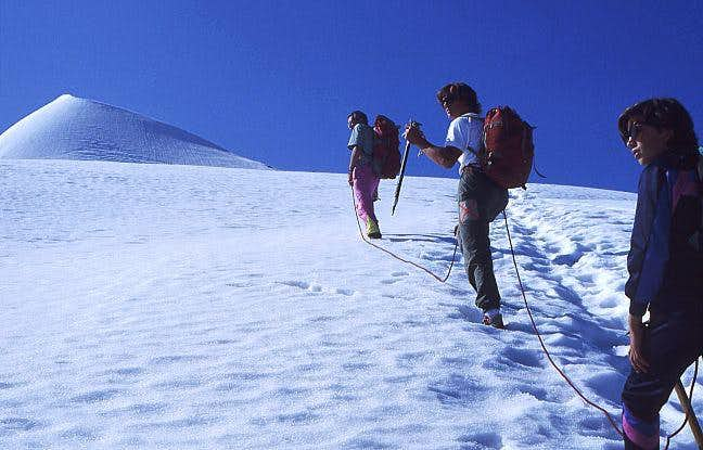 Below the summit of Similaun....