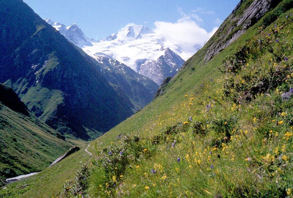 view from Umbaltal valley