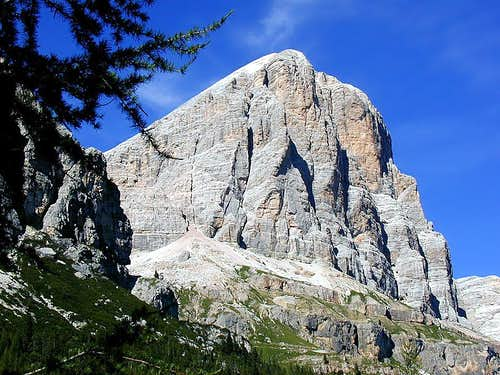 Tofana di Rozes - south face...