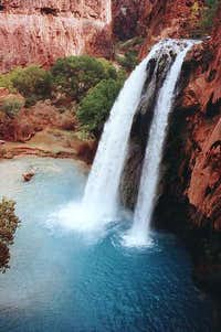 A birds-eye of Havasu Falls.