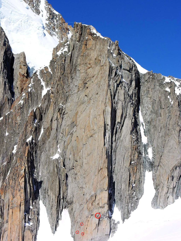Alpinisti sulla parete sud della punta Lachenal (3613 m)
