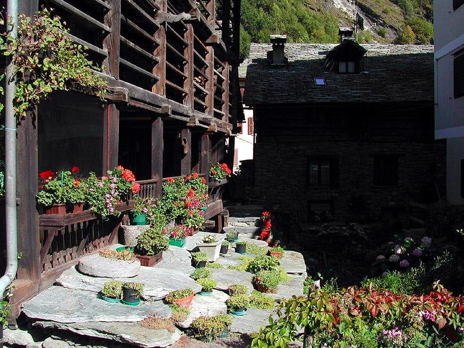 Walser house garden in Alagna