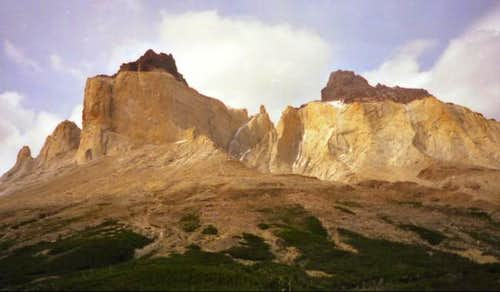 Cuernos del Paine from Valle...
