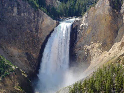 Lower Falls of the Yellowstone closeup