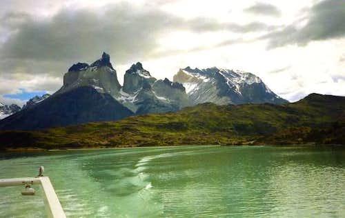 Cuernos del Paine from Lago...