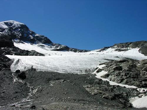 Punta Tersiva and Tessonet glacier<br> seen from the bottom