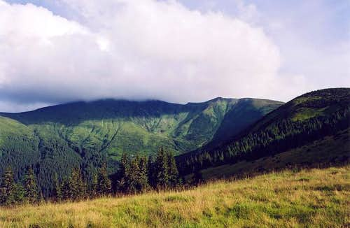 Hoverla in cloud
