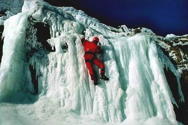 Iceclimbing in Peñalara on a...