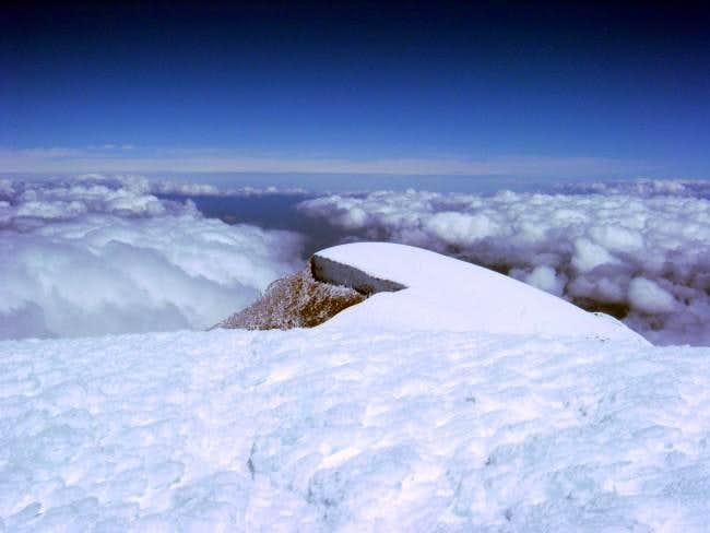 Cayambe summit plateau, 10...