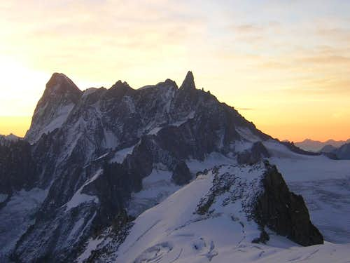 Dawn Grandes Jorasses