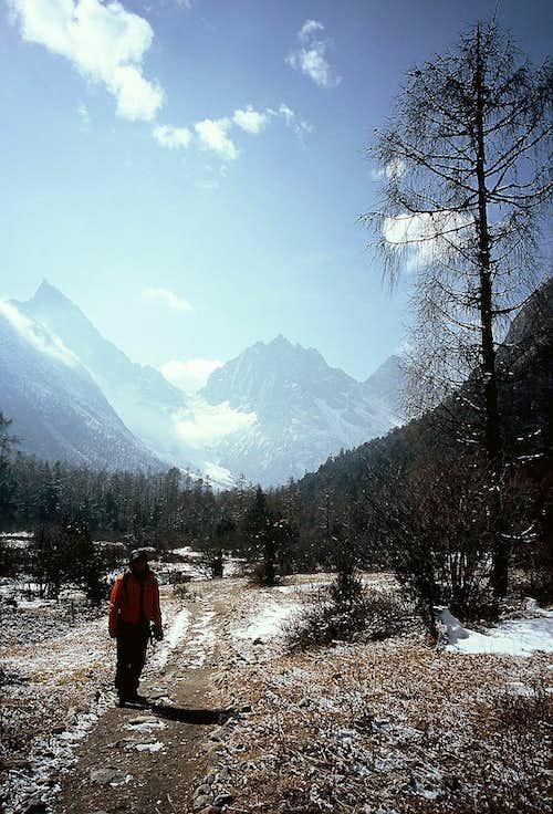 Bipeng Valley Trail