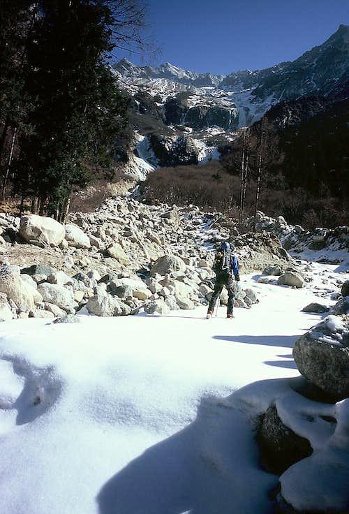 Bipeng Valley Approaching Evil Mogu Icefalls