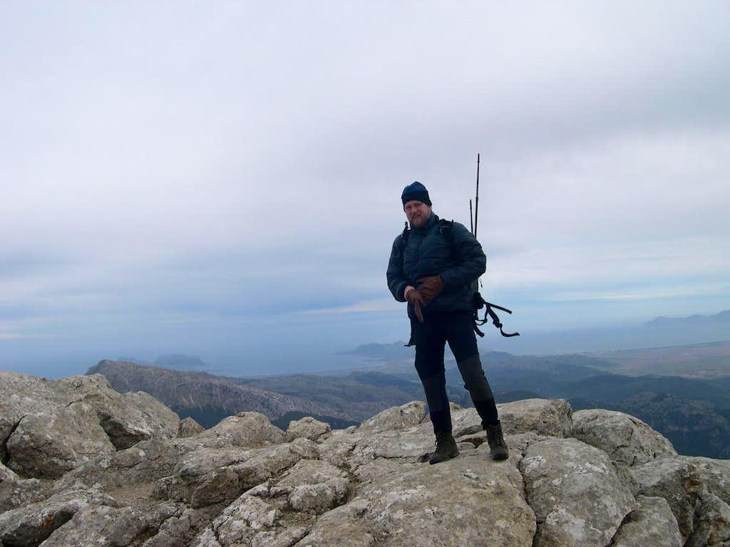 heroe-shot on the Massanella Peak