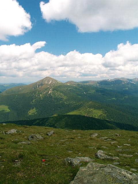 Hoverla and main ridge from Petros