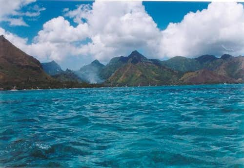 A view of Moorea from Opunohu...