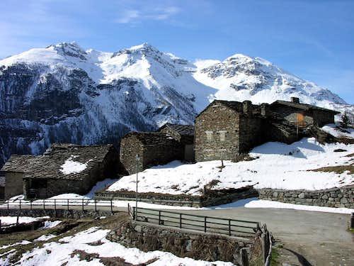The old village of Baulen