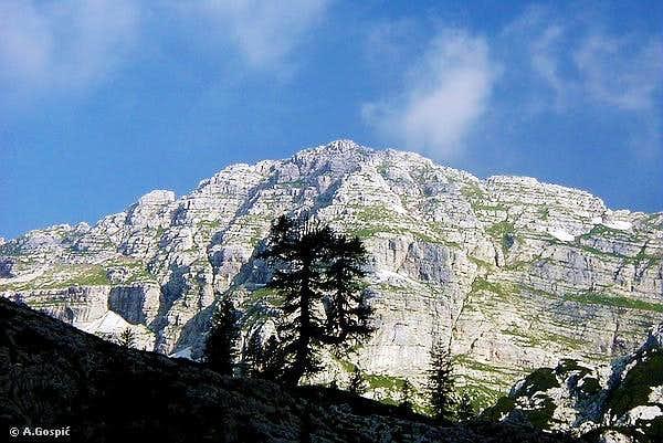 Veliko Spicje from 7 Triglav lakes valley